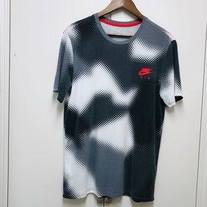 Nike Air/ The Nke Tee men's T-Shirt  size M